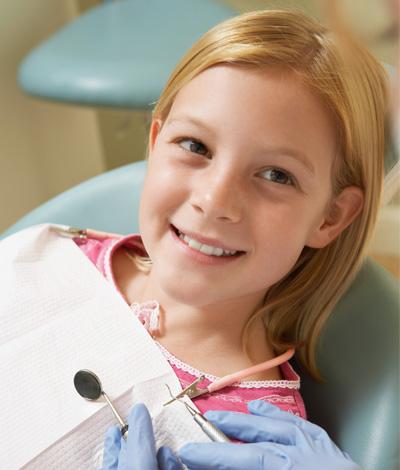 Pose appareil dentaire pour enfant